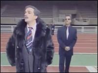 ''Stade 2 (football)'' : Le président du club (Didier Bourdon) appelle tous ses joueurs...
