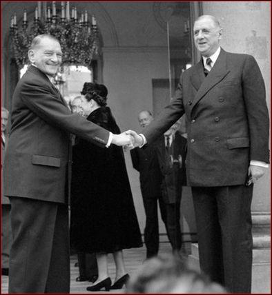 Quel président de la République fait appel à lui pour former un gouvernement en 1958 ?