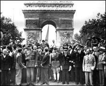 De Gaulle devient chef de gouvernement à la libération. Comment a-t-on appelé ce gouvernement jusqu'à l'entrée en vigueur de la IVème Republique ?