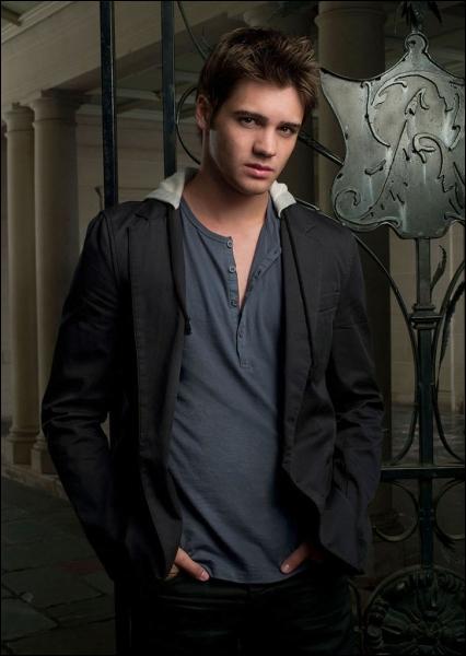 Qui est cet acteur de 'Vampire Diaries' ?