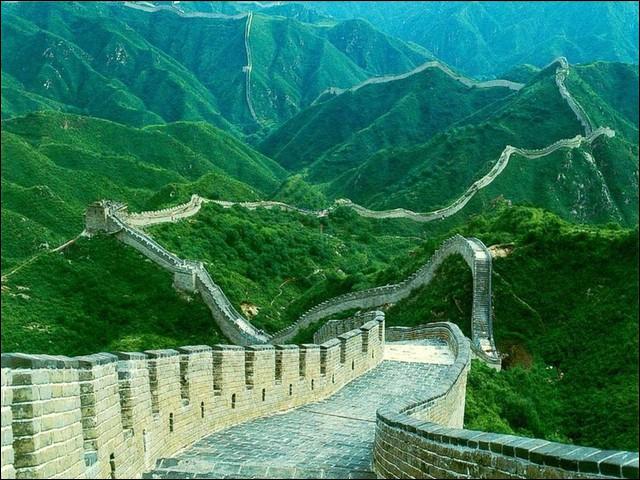 Pour terminer ce quizz, la grande muraille de Chine fait partie des sept nouvelles merveilles du monde, mais savez-vous quelle est la longueur totale des murs ?