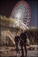 Lorsque nos 2 héros montent au sommet de la grande roue lors d'un exercice de commando, qu'apprend-on sur lui ?