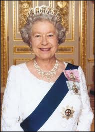 De quel Etat la reine Elisabeth II est-elle la souveraine ?