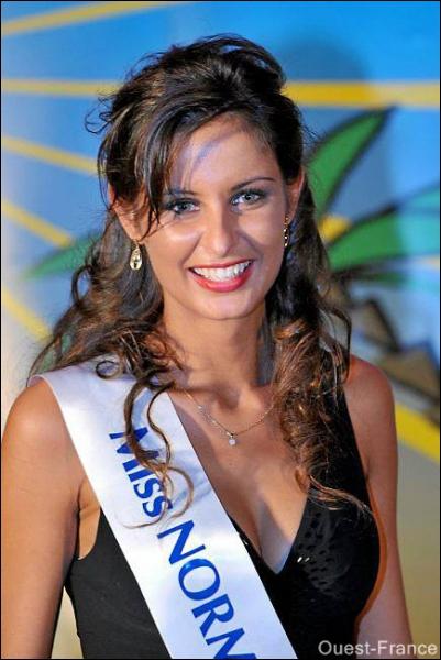 Comment s'appelle la Miss France 2010 ?