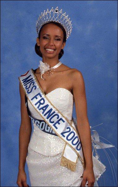 Comment s'appelle la Miss France 2000 ?