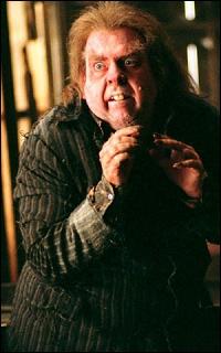 Le loup-garou Peter Pettigrow est un traître qui a livré les Potter à Voldemort.