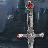 Neville a utilisé l'épée de Gryffondor pour détruire Nagini.