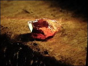 La pierre phénoménale a été fabriquée par Nicolas Flamel.