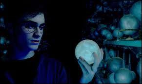 Que tient Harry ?