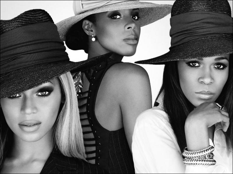 Beyoncé a adhéré à un groupe avant de chanter en solo. Il se nommait...