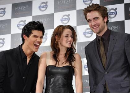 Quels sont les noms des acteurs interprétant Bella, Jacob et Edward ?