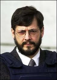 Condamné à la réclusion criminelle à perpétuité, pour séquestration, viol et meurtres d'enfants commis en Belgique en 1990, il a tué 5 personnes :