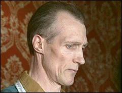 Accusé des meurtres dans l'affaire de Mourmelon, il aurait fait 8 à 17 victimes, il se suicidera en prison en 2003 :