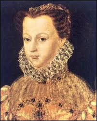 Reine écossaise et française (épouse de François II), elle fut exécutée sur ordre de sa cousine Elisabeth. Érudite, elle tint un discours en latin au Louvre.