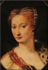 Favorite d'Henri II, elle avait vingt ans de plus que lui. Le roi fit construire pour elle le château d'Anet. Son tombeau sera profané à la Révolution.