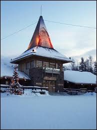 Où la maison du Père Noël se trouve-t-elle ?