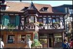 Dans cette sous-préfecture du Haut-Rhin, entourée de vignobles, on peut visiter pas moins de trois châteaux du Moyen-Age.