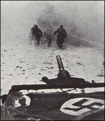 Mussolini envoie un contingent de 200000 hommes pour se battre aux côtés de la Wehrmacht sur le front russe. Quel était le nom du plan d'invasion de l'Union soviétique par le IIIème Reich en 1941 ?