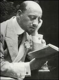 Quel célèbre écrivain, héros de la 1ère Guerre mondiale, a soutenu activement le régime fasciste de Mussolini (du moins à ses débuts) ?