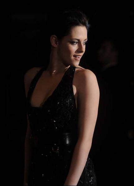 Quel prix a-t-elle remporté en 2009, 2010 et 2011 aux 'MTV Movie Awards' ?