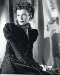 Quelle reine a incarné katharina Hepburn dans 'Le lion en hiver' d'Anthony Harvey ?
