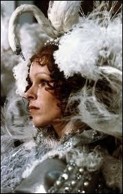 Quelle reine incarnait Géraldine Chaplin dans un film de Richard Lester ?
