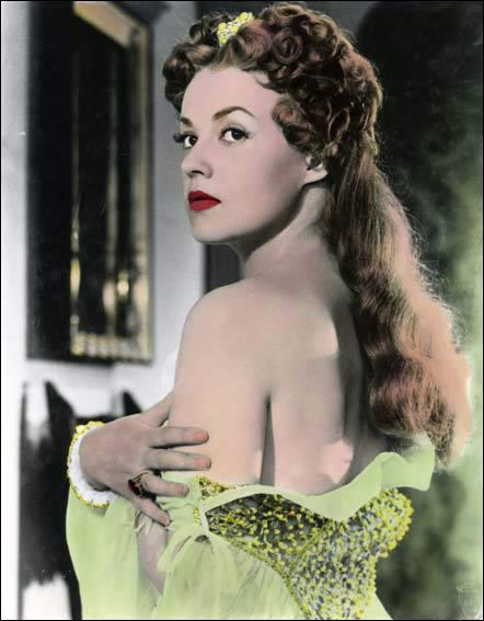 Quelle reine a été incarnée par Jeanne Moreau en 1954 dans un film de Jean Dréville ?