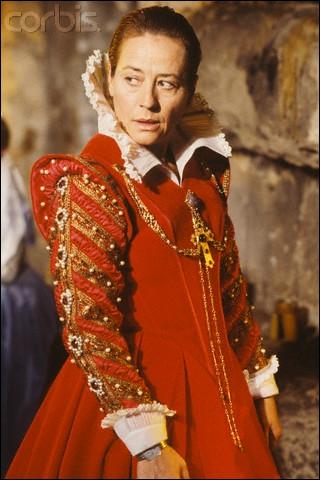 Quelle reine était incarnée par Annie Girardot dans un film de Didier Decoin ?