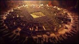 Quelle est la principale difficulté pour établir avec précision les plans du labyrinthe ?