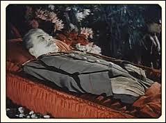 De son vivant Staline a fait l'objet d'un culte de la personnalité. Aujourd'hui où se trouve sa tombe ?