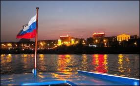 Une grande ville a porté son nom (Stalingrad). Quel est le nom de cette ville aujourd'hui ?
