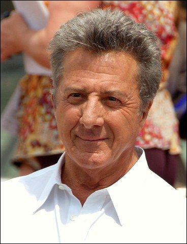 Il a tourné dans 'Les Hommes du président' et 'Le Lauréat'.