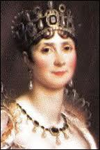 Née en Martinique, elle devint la femme du général Bonaparte. N'ayant pu avoir d'enfant avec elle, il la répudia.