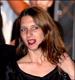 Femme de Vikash Dhorasso