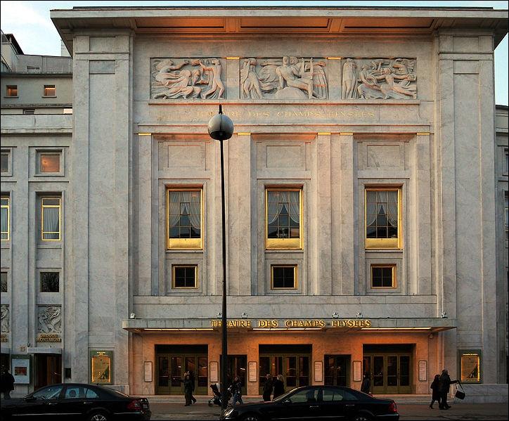 Lequel des Frères Perret a réalisé le théâtre des Champs-Elysées à Paris
