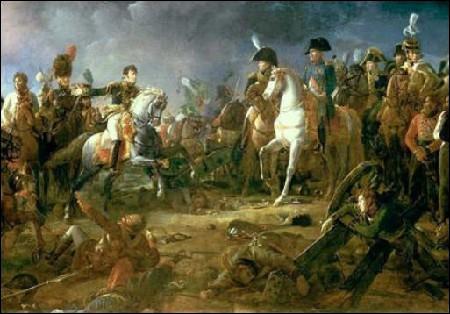 Quelle victoire remportée en 1805 fut aussi surnommée la bataille des Trois Empereurs ?