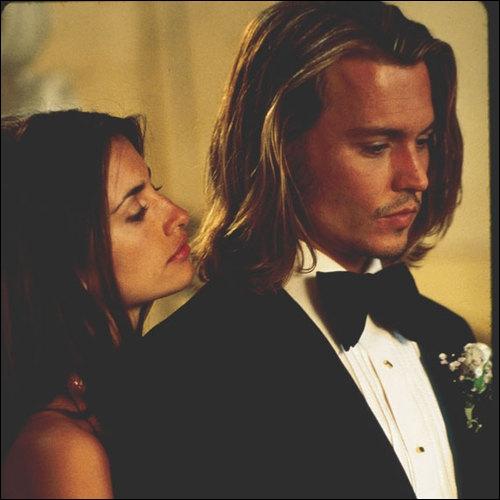 En quelle année Penélope joua-t-elle pour la première fois en compagnie de Johnny Depp dans le long métrage Blow ?
