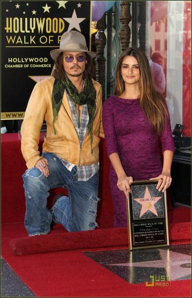 Enfin récompense suprême pour les acteurs, Penélope gagna une étoile sur le Walk of fame le...