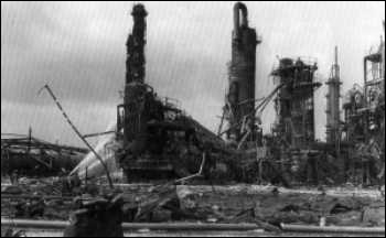 10 juillet 1976, explosion d'un réacteur chimique à Seveso en...
