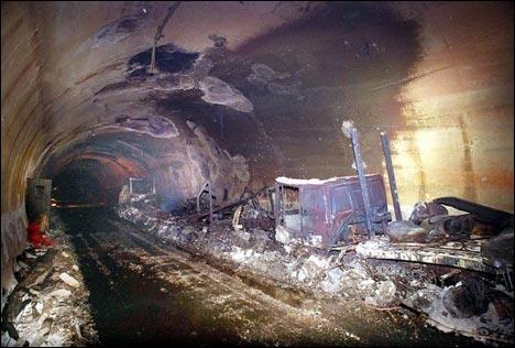 1999, 24 mars, incendie dans un tunnel routier provoque la mort de 39 personnes. C'était dans le tunnel du...