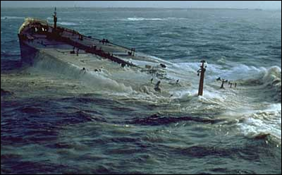 L'Amoco Cadiz fait naufrage en mars 1978...