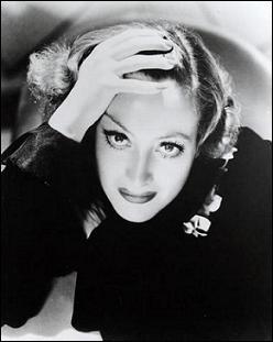 Elle obtient un Oscar en 1945 pour Le Roman de Mildred Pierce, il s'agit de