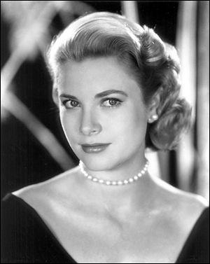 Une des actrices fétiches d'Alfred Hitchcock, elle fut également Princesse de Monaco. Elle se nomme