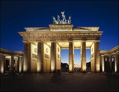 La République fédérale d'Allemagne est un Etat d'Europe de l'Ouest dont la capitale est Berlin. Cette ville se trouve ...