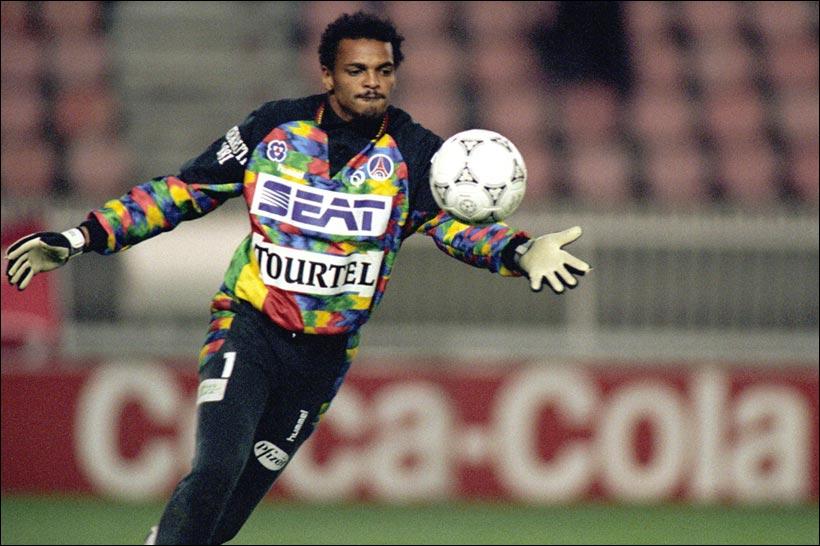 Il a été élu en 1994 et a remporté la Coupe des vainqueurs de Coupe, c'est ... en 1996