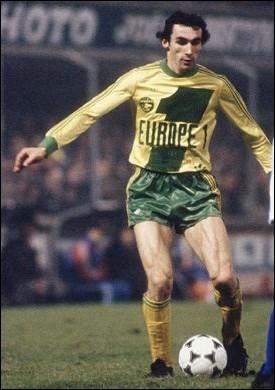 Il a été élu en 1979 et 1981 et champion de France avec las Canaris en 1977, 1980 et 1983 c'est ...