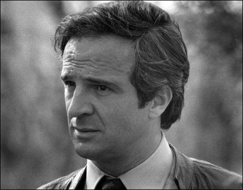 Réalisateur et scénariste de cinéma français faisant partie de la Nouvelle Vague... qui est-il ?
