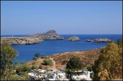 Dans quelle mer baigne l'île de Rhodes ?