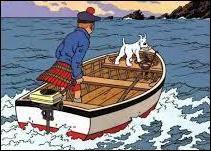 Comment s'appelle l'île que Tintin s'apprête à rejoindre à bord d'un canot à moteur ?