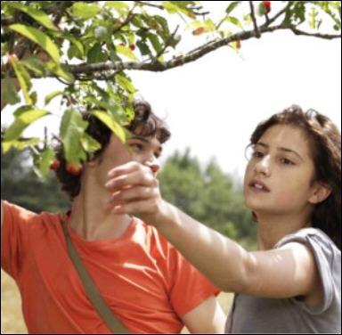 Film sorti en France en juillet, c'est le troisième film mis en scène par Mia Hansen-Love.